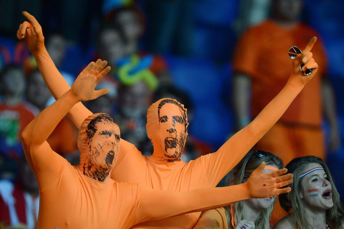 Netherlands-Fans-Cheer