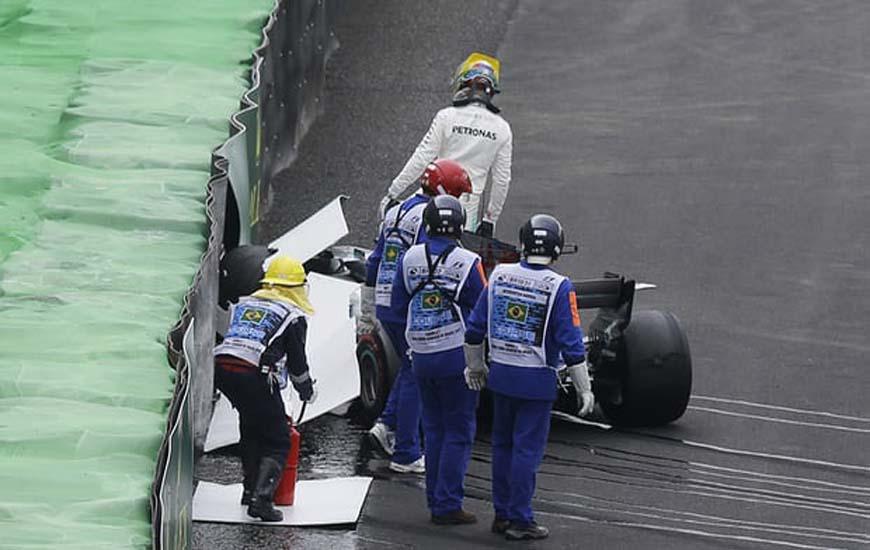 Hamilton-crashes-out-of-qualifying