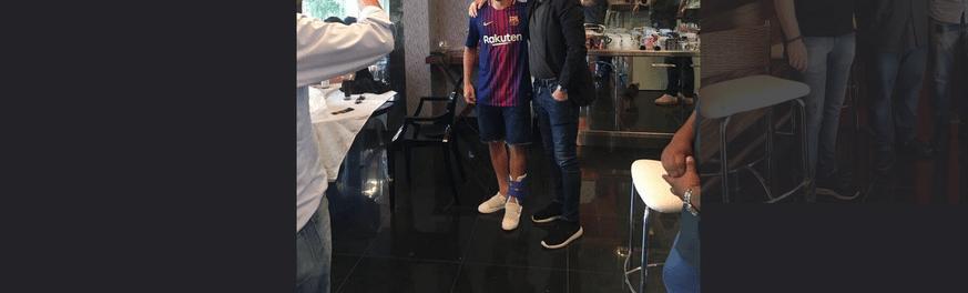 Brazilian-star-pictured-in-Barcelona-shirt