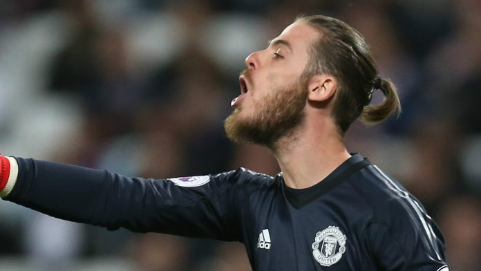 United's number 1 claims Golden Glove award