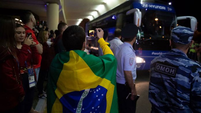Brazil arrive in Russia along with Neymar
