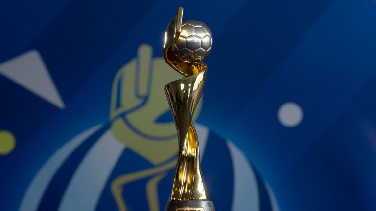 FIFA-Women-WC-trophy